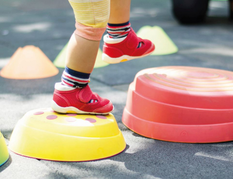 Sportkamp: balanceren op een been